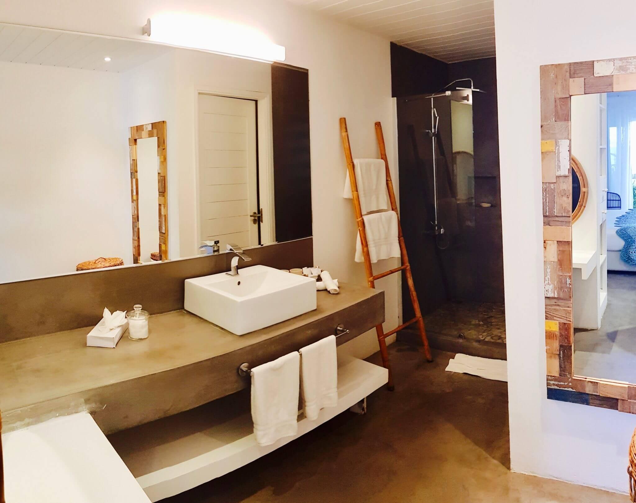 salle de bain chambre deluxe seapoint boutique hotel ile maurice