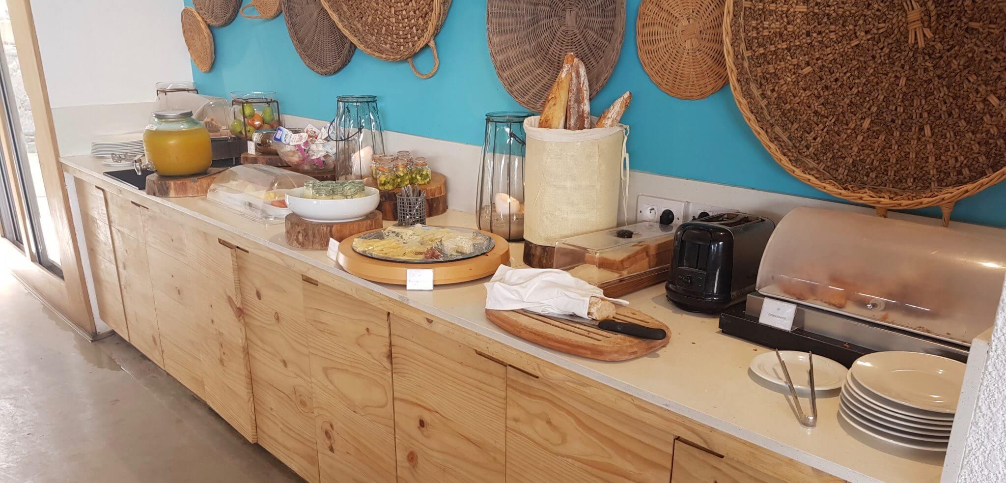 buffet petit déjeuner seapoint boutique hotel ile maurice