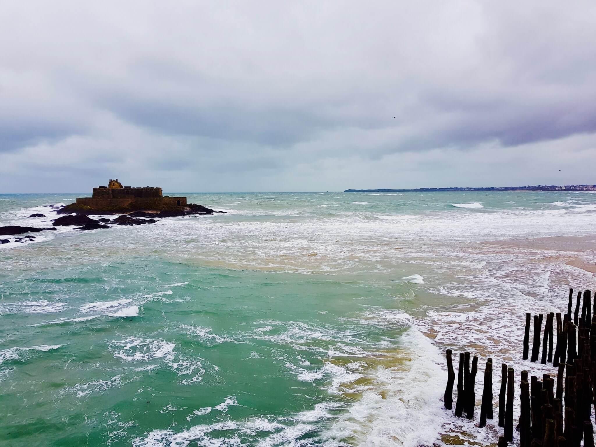 les grandes marées visiter saint-malo intra-muros